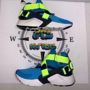 Nike Huarache City.